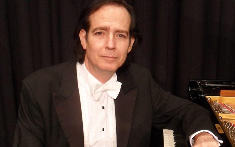 17. August 2021 um 19:00 Uhr | Klassik-Highlight : Meisterpianist Menachem Har-Zahav spielt Liebestraum